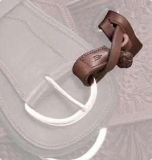 Barefoot Halterung aus Leder - Für Gurte oder Steigbügel
